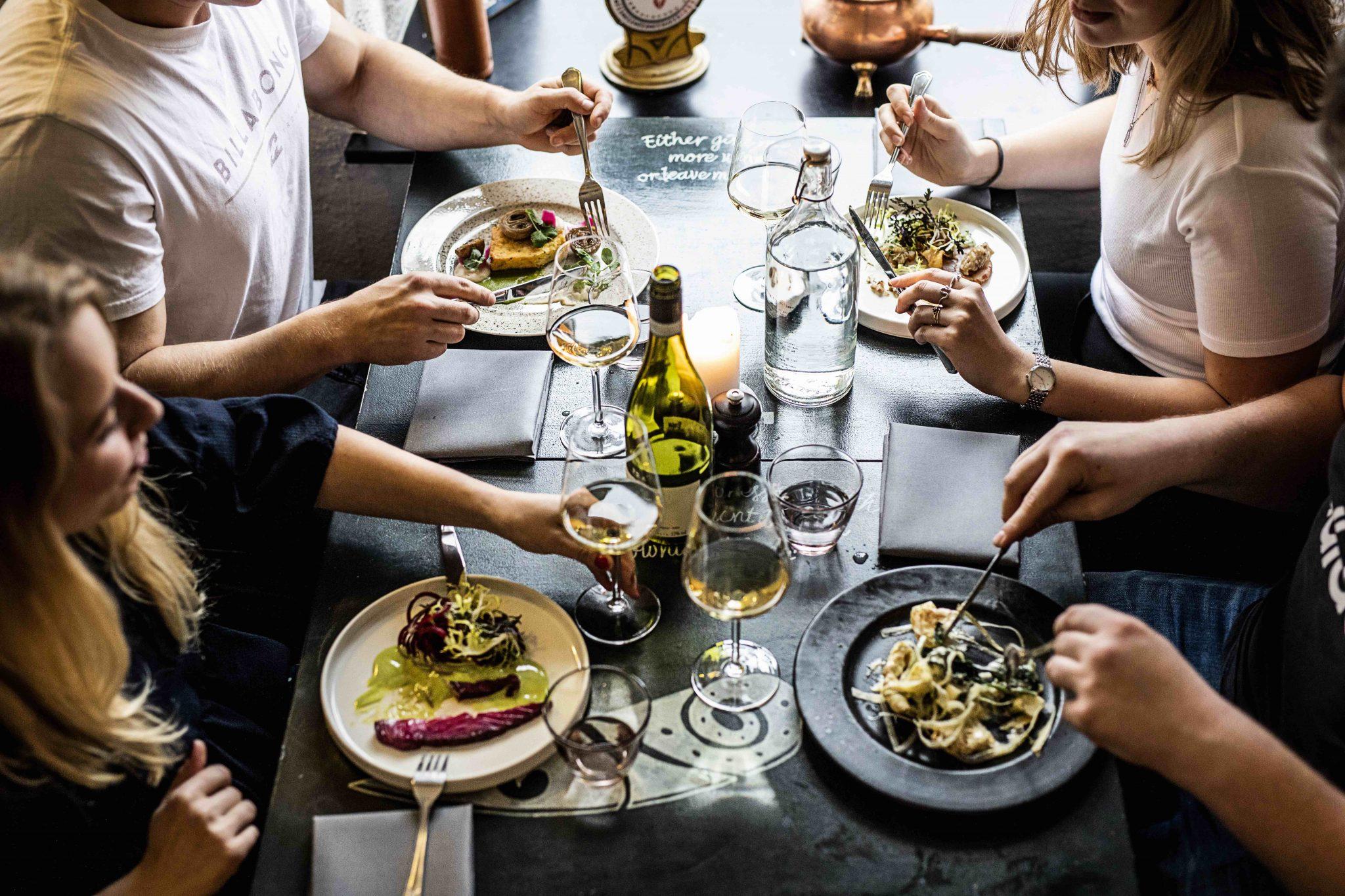 Restaurant MellemRum stedet med god mad og glade mennesker
